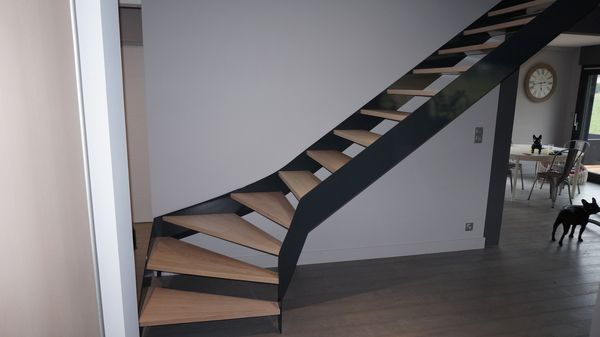 Fabrication et pose d\'escalier contemporain design - Jura (39) Lons ...